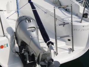 船外機をオープントランサムへ搭載