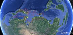 アジア内海の大きさは赤線で囲んだ地中海に比べ、約2.5倍