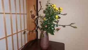 書院の花はすでに春