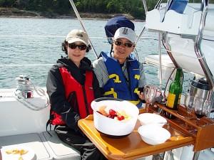 船上のランチにワインはつきもの