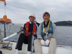 青木ヨット艇のクルーはスクール卒業生★